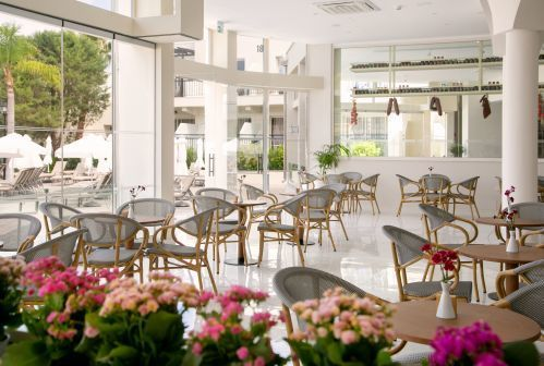 Louis Paphos Breeze Restaurant